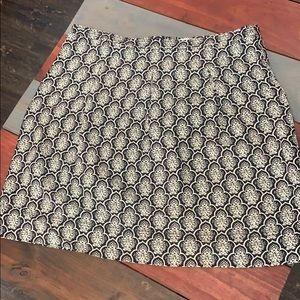 🎉3/$35 LOFT Black & Off-White Skirt 14